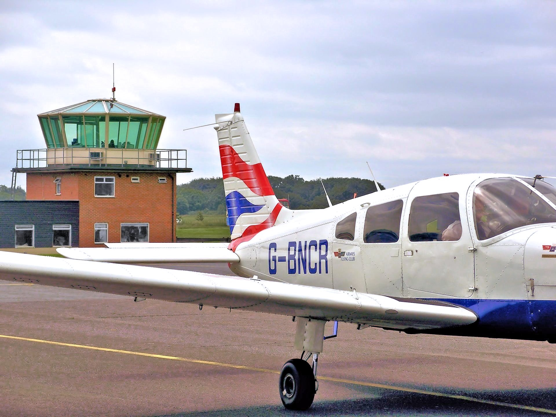 Flying Club Membership Details and Information for Aeroplanes and Helicopters
